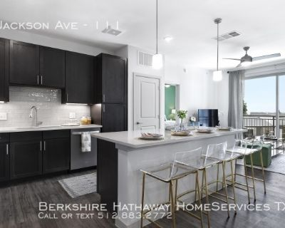 Awesome New and Luxurious Apartments in Central Austin
