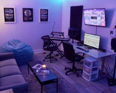 Buckhead Recording Studio With Great Vibes, Atlanta, GA