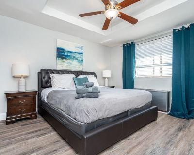 Downtown ! King bed!24 concierge! 1FREE PARKING - Old Fourth Ward