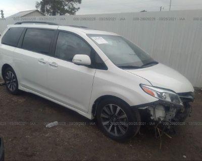 Salvage White 2019 Toyota Sienna