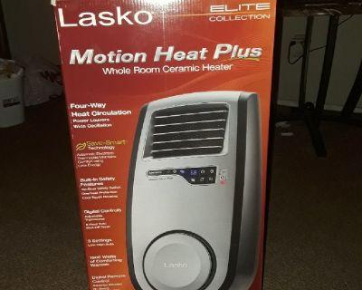 Lasko heat plus new in box with remote control