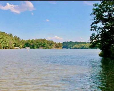 Lake front house with dock! - Dawsonville
