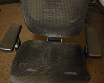 Staples Hyken Technical Mesh Office Chair