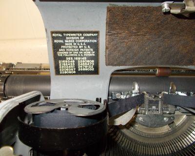 Royal Manuel Typewriter