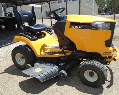 2020 Cub Cadet XT2 LX46 46 in. Cub Cadet 679 cc Lawn Tractors Lake Mills, IA