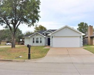 6501 Knottingham Dr, Arlington, TX 76001 3 Bedroom House