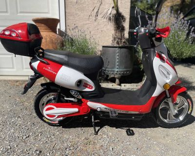 Brand New 48 Volt Electric Scooter /Bike