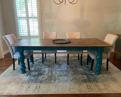 Dining room table with 4 parson chairs