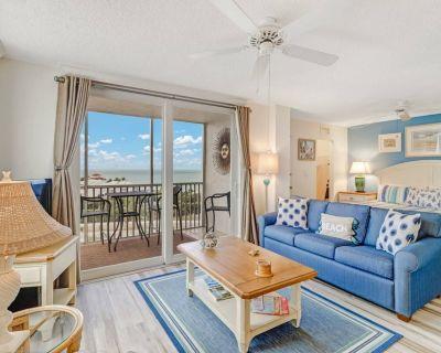 Beautifully Remodeled, Gorgeous 9th Floor View, Walk to Beach! Free Parking, Tennis & Beach Gear! - Bonita Springs