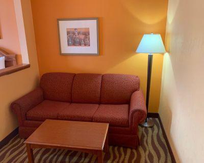 Days Inn & Suites by Wyndham Albany - Colonie