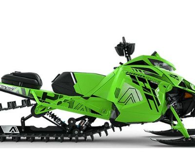2022 Arctic Cat M 8000 Hardcore Alpha One 165 3.0 with Kit Snowmobile Mountain Osseo, MN