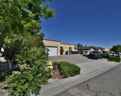 Pickard Triplex located in foothills of the Sandias