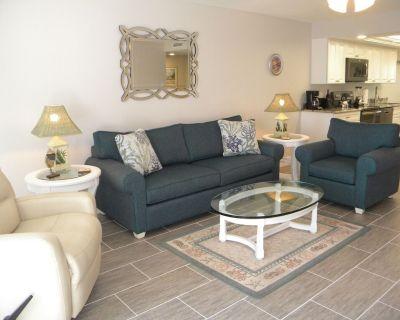 Sandpebble #2D ALL NEW, 2 bedroom, 2 bath, pool, tennis, pickleball, overlooks Sanibel River. Sleeps 6 - Sanibel