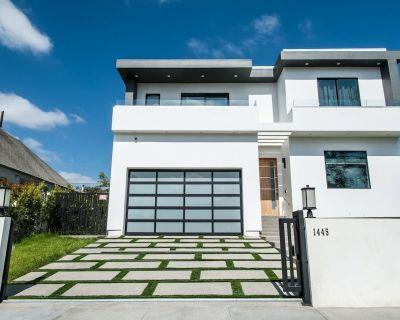 The Dream Villa Summa - Miracle Mile