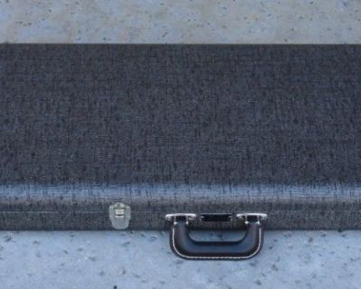 Fender Mustang Case - Vintage 1960's Style Silver W/ Black Poodle Int. NEW