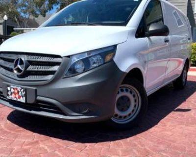 2016 Mercedes-Benz Metris Cargo Van Standard