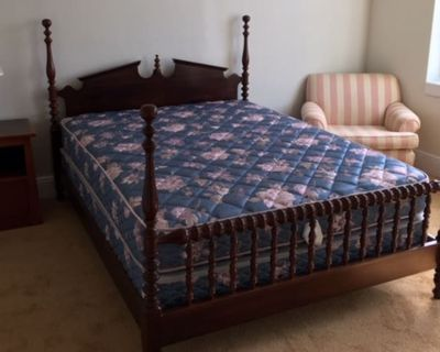 Private room with shared bathroom - Newport News , VA 23607