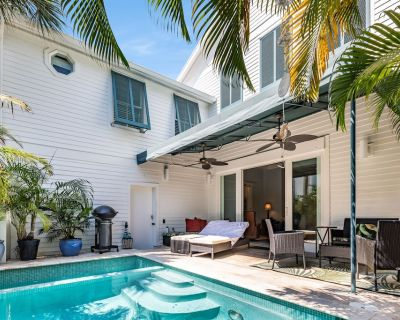 """""""COMFORTABLY NUMB"""" ~ 2 Bedroom, 2.5 Bathroom Home in Old Town w/ Pool! - The Meadows"""