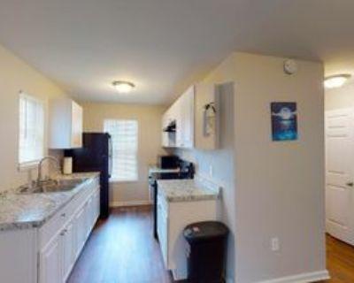 Room for Rent - a 4 minute walk to bus stop Josep, Atlanta, GA 30314 1 Bedroom House