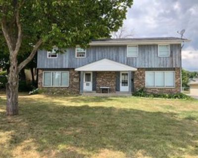 4019 South 40th Street #Right, Greenfield, WI 53221 2 Bedroom House