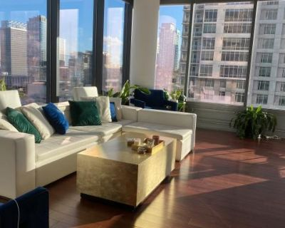 Modern and Stylish Luxury Downtown Unit for Meetings, Los Angeles, CA