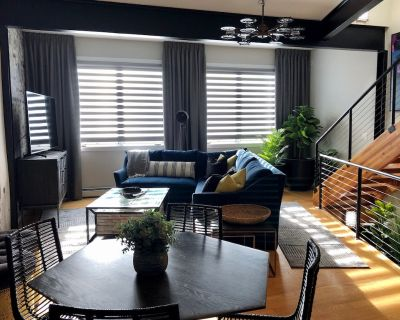 Stunning Penthouse Suite Next to Whole Foods - North Central Westminster