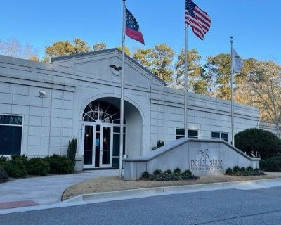 Professional Office Suite with Highly Appointed Finished for Lease