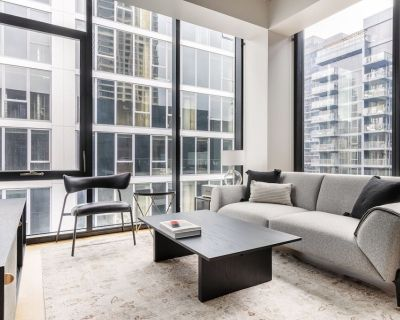 Fantastic River North 1BR w/ Gym, Rooftop, 1 block to L, by Blueground - River North