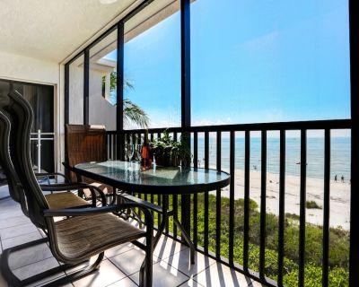 Luxury Direct Beachfront 2BR+Den w/2 Free Bikes & Wifi Sundial K405 - Sanibel