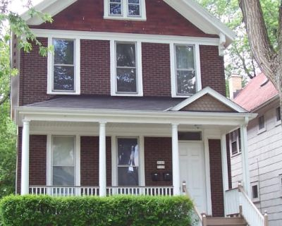 3113 North Bartlett Avenue