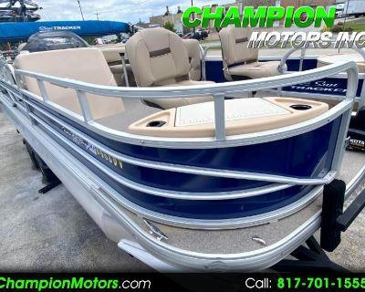 Used 2017 Sun Tracker Fishing Barge 22 DLX Pontoon Boat w/Mercury 115HP CT 4S
