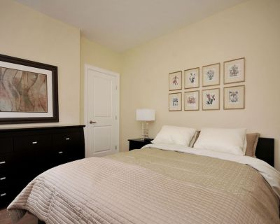 Luxury 2 Bedroom Suite Near Downtown in Rockland - Rockland