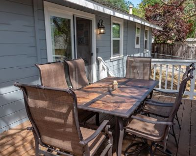 The Nuthouse Wine Country Therapy- Brand New Hot Tub - Paso Robles