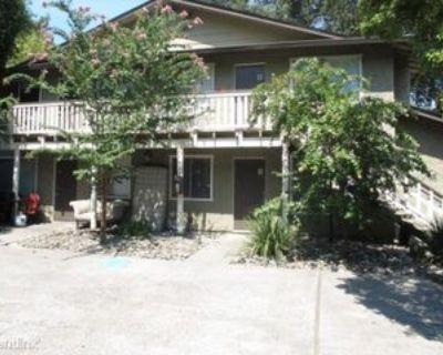 415 Maple St, Chico, CA 95928 4 Bedroom Apartment