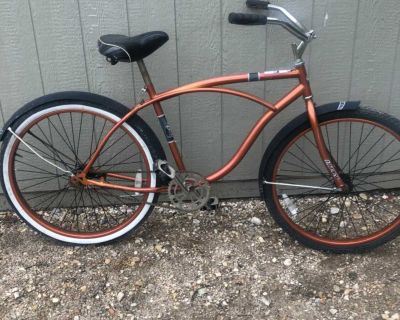 26 inch Huffy cruiser Bicycle. Vintage at its best.