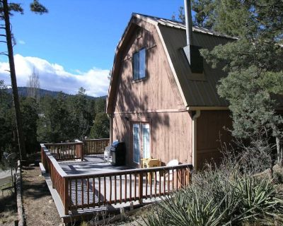 You ll be just up the hill from the galleries, restaurants, and activities of Ru - Ruidoso
