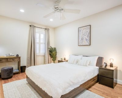 Furnished Private Queen Room in Cap East #271 B