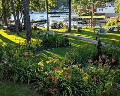 Lake Murray Paradise ~ Lake Front Upstairs Home w/ Peninsula Lake Views! - Lexington