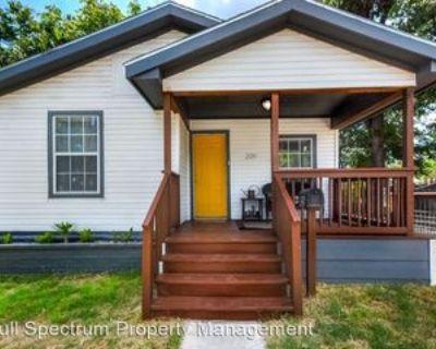 209 Saint James, San Antonio, TX 78202 3 Bedroom House