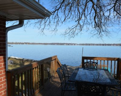 Lakefront, Newly Renovated, Peaceful Getaway, Free Water Sports - Pistakee Highlands