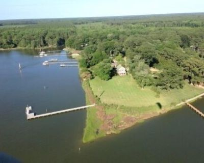Updated Waterfront Farmhouse on 3 Acres - Westville
