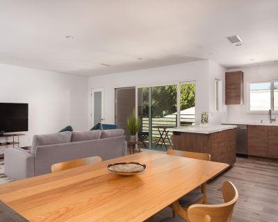 Cozy, huge, great location -close to Venice/Silicon Beach/Malibu UCLA, SMC - Mid-City