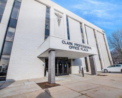 Clark Professional Office Plaza   Units 1-3