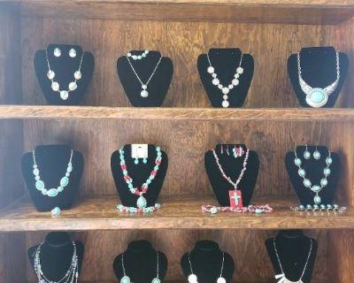 Jewelry mania