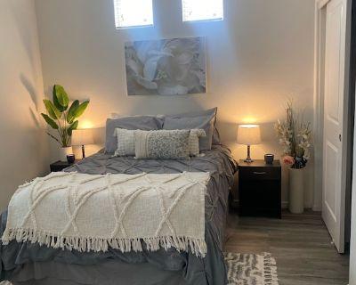 1 Bedroom/Bath, Full Kitchen - Mesa