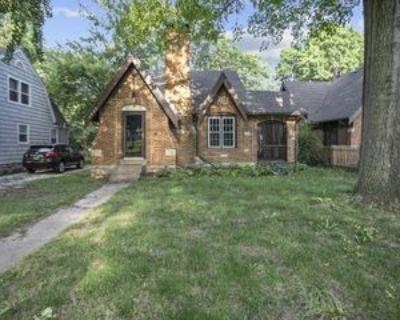 7639 Holmes Rd #1, Kansas City, MO 64131 3 Bedroom Apartment