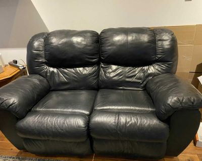 Leather recliner love seat