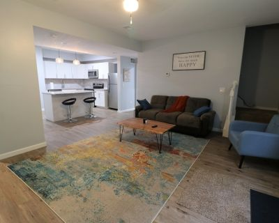 Private Basement Oasis Near Downtown ATL and Airport - Fulton County