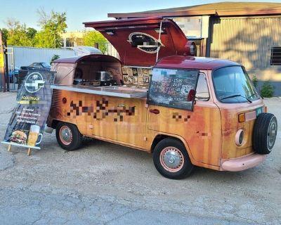 15' Bay Window Revamped Volkswagen Kombi Bus w/  Food and Beer Beverage Truck