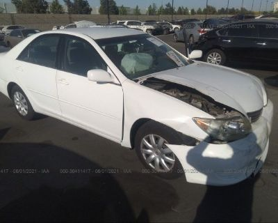 Salvage White 2005 Toyota Camry